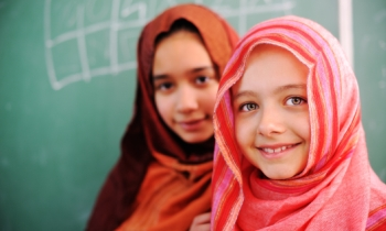 Young Arabic girls at school_featured image